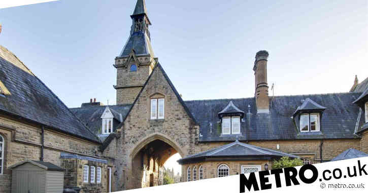 Cottage inside the gothic abbey where Lord Byron once lived up for sale for £480,000