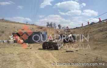 Camionera se queda sin frenos y vuelca en Calpulalpan - Quadratín Tlaxcala