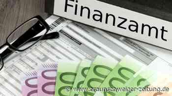 Verwaltungsfehler: Nach Steuererklärung: Tausende falsche Bescheide verschickt