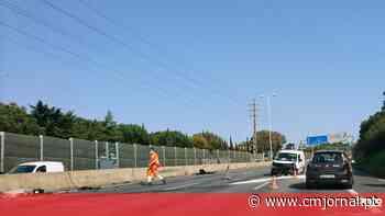 Despiste de carro obriga ao corte da A5 em Linda-a-Velha, no sentido Cascais-Lisboa - Correio da Manhã