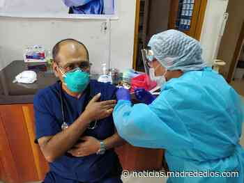 Personal de salud del Hospital Santa Rosa recibe segunda dosis de la vacuna contra el COVID-19 - Radio Madre de Dios