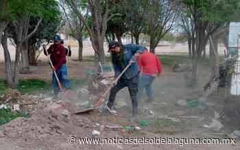 Limpian por completo plaza en Santa Rosa de Gómez Palacio - Noticias del Sol de la Laguna