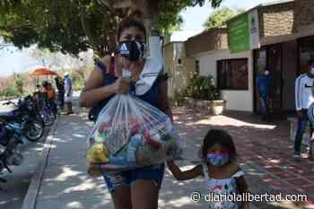Alcaldía de Galapa sigue entregando ayudas alimentarias a sus habitantes - Diario La Libertad