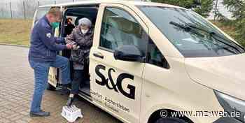 Mit dem Taxi zum Impfen: Senioren werden in Querfurt gegen Erkrankung immunisiert - Mitteldeutsche Zeitung