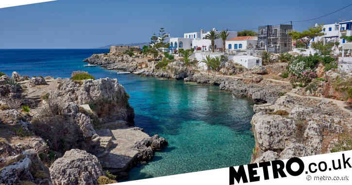 Greece tells Brits to book holidays as tourist islands prioritised for vaccines