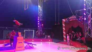 Touraine : les stages de cirque reprennent sous le chapiteau Georget à Luynes - France Bleu