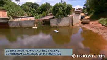 Rua e casas de Matozinhos (MG) estão alagadas 20 dias após chuva - R7.COM