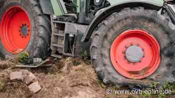 Stephanskirchen: Traktorfahrer übersieht Ford und reißt dessen Seite auf - Oberbayerisches Volksblatt