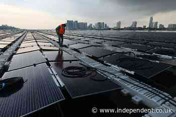 Singapore builds huge floating solar farm out at sea in bid to tackle climate crisis  (cloned)