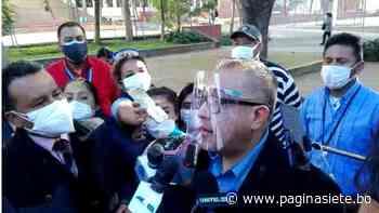 Cox votó temprano, para luego recorrer los recintos de Cochabamba - Diario Pagina Siete