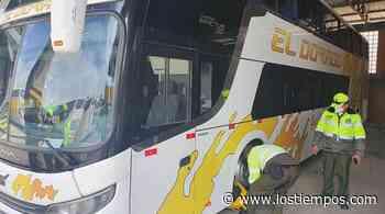Aprehenden al chófer de bus que invadió carril en la carretera Cochabamba-Oruro - Los Tiempos