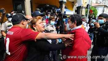 Leyes intenta retomar la Alcaldía, pero Tellería le cierra el paso - Opinión Bolivia