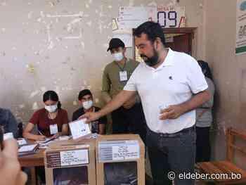 Candidato del MAS fue el primero en ir a votar en Tarija | EL DEBER - EL DEBER
