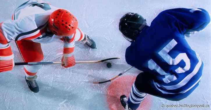 Une imposante foule marche pour la reprise des sports au Québec