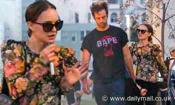 Natalie Portman looks chic as she grabs dinner in Bondi Beach with family