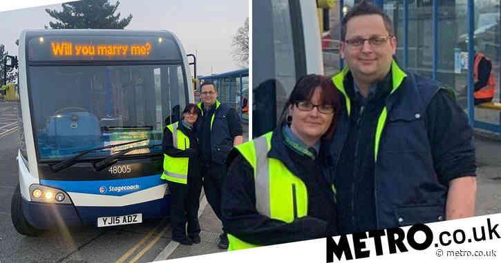 Romantic bus driver changes destination message to propose to girlfriend