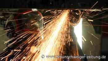 Produktionserwartungen: Ifo: Autoindustrie und Maschinenbau zunehmend optimistisch