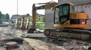 Viareggio, lavori in via Coppino per rifare un tratto della fognatura bianca - Luccaindiretta - LuccaInDiretta