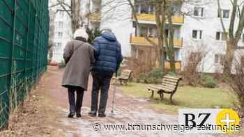 Rentenversicherung: Rente: Trotz jahrzehntelanger Arbeit von Armut bedroht