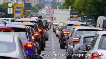Verkehr: Pendler im Corona-Jahr: Fast einen Tag weniger im Stau
