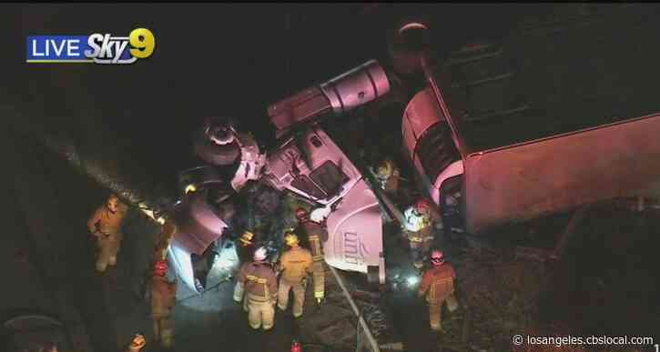 Semi-Truck Overturns After Collision With Minivan On 60 Freeway In Montebello