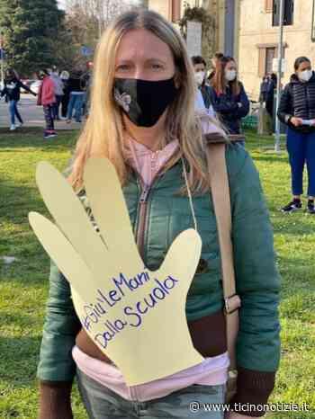 ++ Arluno, 200 genitori alla manifestazione per la riapertura delle scuole - Ticino Notizie