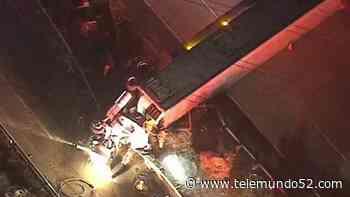 Dramático rescate de chofer de camión volcado en Montebello - Telemundo 52