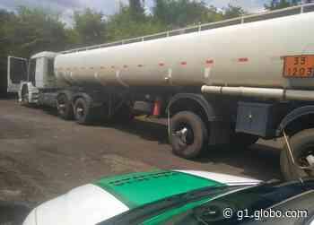 Ladrões roubam 40 mil litros de gasolina na BR-262 em Frutal e abandonam carreta vazia em Campo Florido - G1