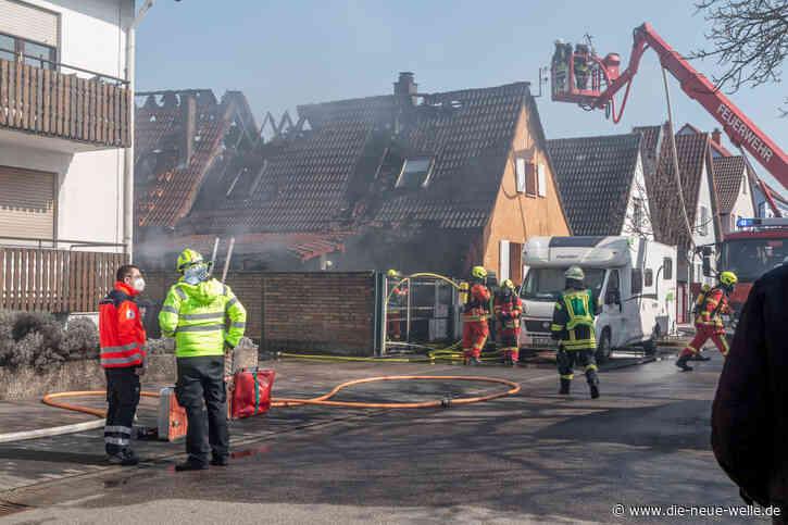 Feuer in Carport und Wohnhaus in Eggenstein-Leopoldshafen - die neue welle