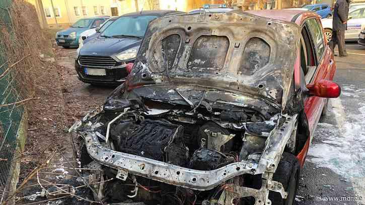 Ausgebrannt: Unbekannte zünden Autos in Sondershausen an - MDR