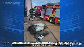 Corpo de Bombeiros combate incêndio em galpão, em Goianira - Portal Dia Online