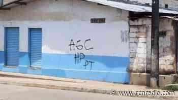 Con grafitis, el Clan del Golfo y el ELN marcan su disputa por el control en El Bagre, Antioquia - RCN Radio