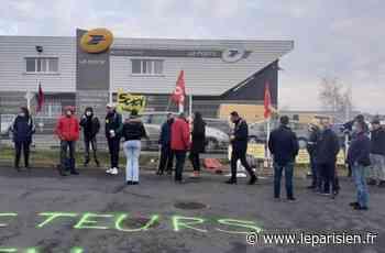 Domont : six jours de grève contre les suppressions d'emploi à La Poste - Le Parisien