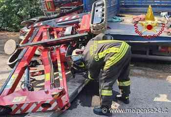 Venegono Superiore, operaio schiacciato da un mezzo mentre lo carica sul furgone - MALPENSA24 - malpensa24.it