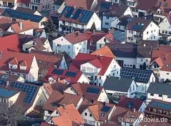 Landau an der Isar - Landauer Bauausschuss gegen Photovoltaikanlage im Inneren Moos - PV-Anlagen auf Dächern haben Vorrang - idowa