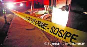 Mecânico é assassinado a tiros dentro de casa em Abreu e Lima - TV Jornal