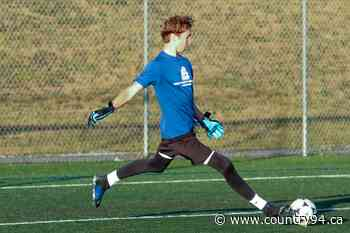Quispamsis Teen To Join UNB REDS Soccer Team - country94.ca