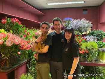 """Bekende bloemkunstenaars Sören en Aymeric openen pop-upstore: """"Voor corona werkten we in Dubai en Taiwan, nu zetten we in op lokaal"""""""