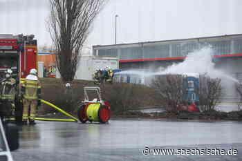 Gefahrgut-Container brennt in Kesselsdorf - Sächsische Zeitung