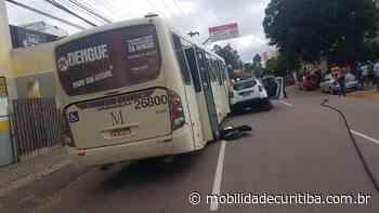 Acidente entre ônibus, motocicleta e caminhonete na Rua Mateus Leme - Mobilidade Curitiba