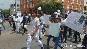 Sepelio en Bosconia terminó en desmanes: piden justicia por muerte de adolescente - ElPilón.com.co