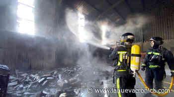 Arde nave con coches, motos y materiales en Castrillo de San Pelayo - La Nueva Cronica