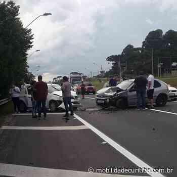 Acidente entre dois carros na BR-277 no Orleans - Mobilidade Curitiba