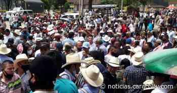 Carrera de caballos desató masiva asistencia de espectadores en Caramanta, Antioquia - Noticias Caracol