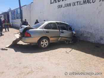 En Apan, muere joven al chocar su auto contra el muro de un colegio - Criterio Hidalgo