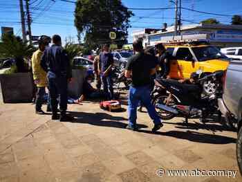 Motociclistas chocan sobre avenida Eusebio Ayala - Nacionales - ABC Color