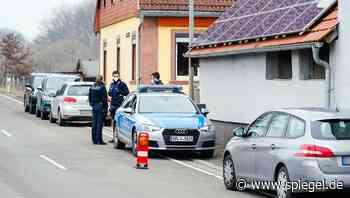 Weilerbach in Rheinland-Pfalz: Verdächtiger stellt sich nach Fund zweier Leichen - DER SPIEGEL