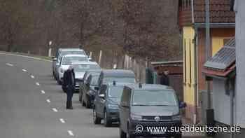 Zwei Leichen gefunden: Verdächtiger weiter auf der Flucht - Süddeutsche Zeitung