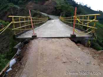 Tambalea el puente de Partidas en Aranzazu - La Patria.com
