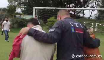 El Ejército rescató tres campesinos retenidos por el Clan del Golfo - Caracol Radio